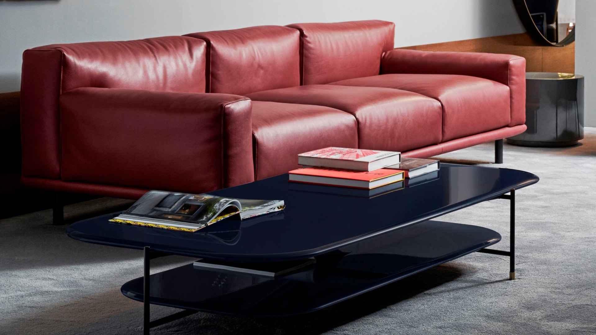 485_21 - Meridiani - salone 2019 - timothy sofa - adrian low table