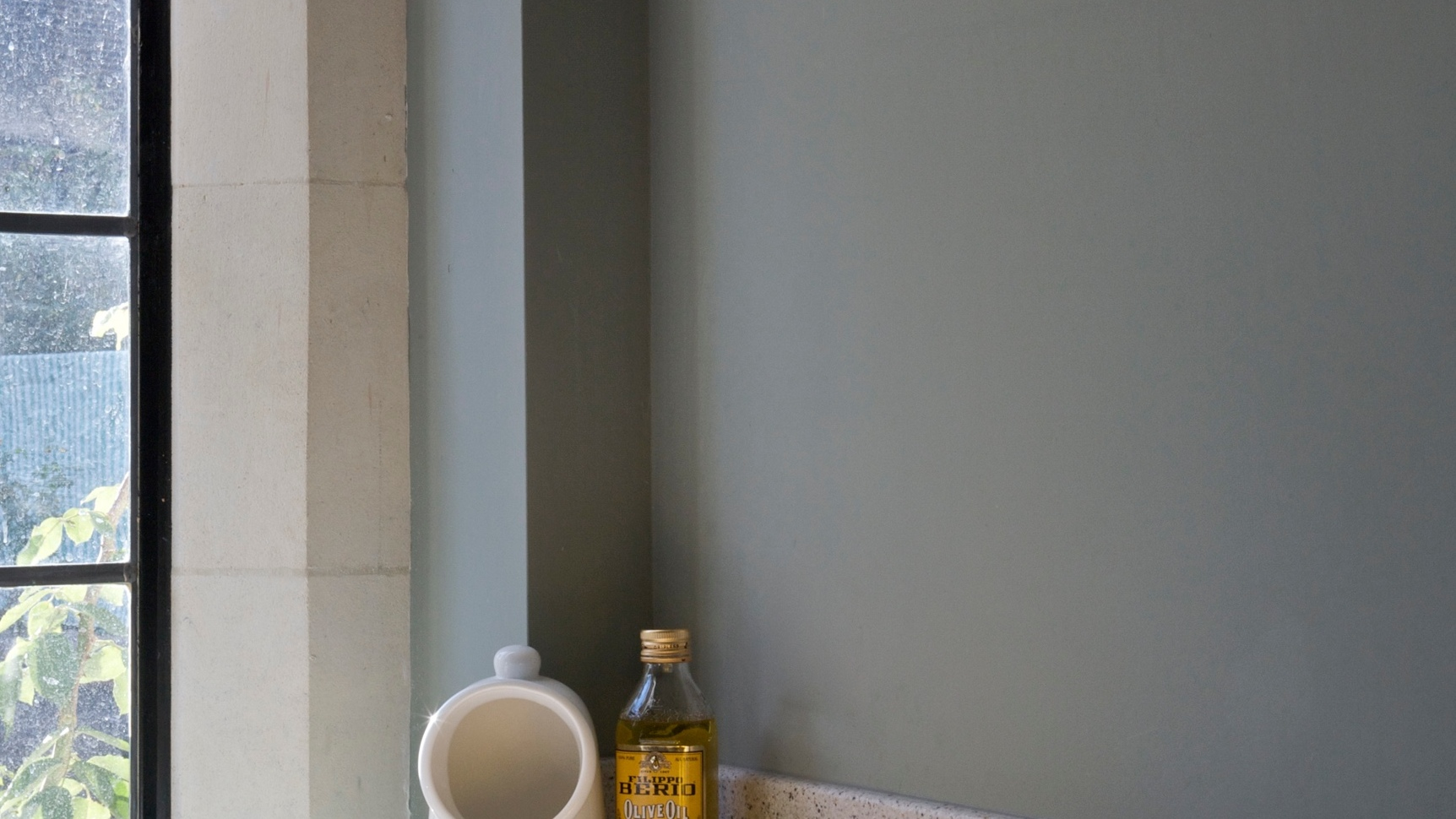 Pigeon_25 Farrow & Ball room service